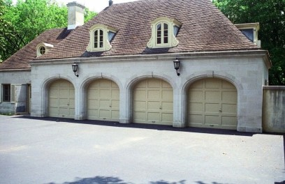 Awesome French Country Exterior Design Ideas For Home 11