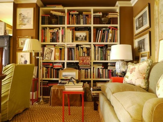 Charming Living Room Designs Ideas With Combinations Of Brown Color 28