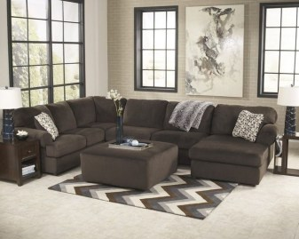 Charming Living Room Designs Ideas With Combinations Of Brown Color 30