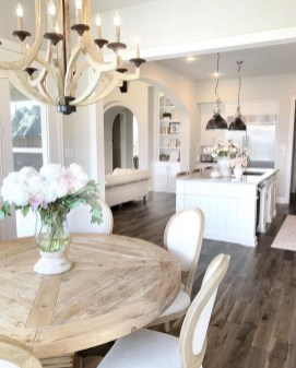 Attractive Kitchen Decorating Ideas With Farmhouse Style 25