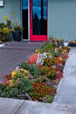 Brilliant Rock Garden Landscaping Ideas For Front Yard 43
