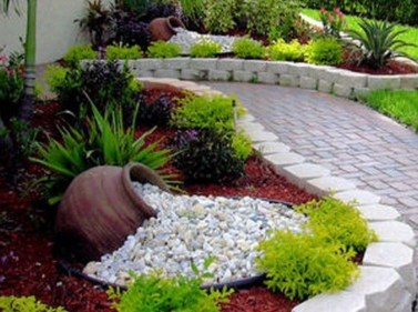 Brilliant Rock Garden Landscaping Ideas For Front Yard 55