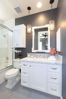 Gorgeous Small Bathroom Remodel Ideas On A Budget 50