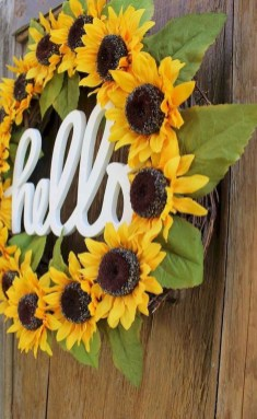 Beautiful Summer Wreath Design Ideas To Try Asap 26