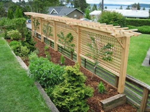 Charming Privacy Fence Ideas For Gardens 23
