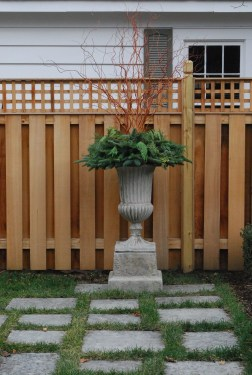 Charming Privacy Fence Ideas For Gardens 24