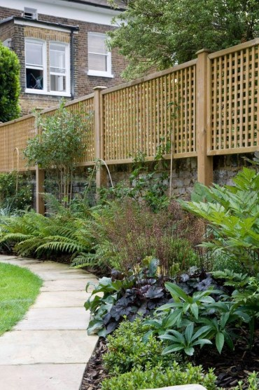 Cool Garden Fence Decoration Ideas To Try This Year 14