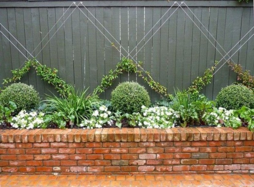 Cool Garden Fence Decoration Ideas To Try This Year 40