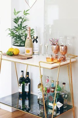 Elegant Mini Bar Design Ideas That You Can Try On Home 17