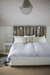 Fancy Diy Ideas To Make Bed Place From Pallet Project 29