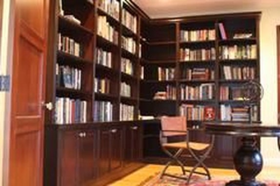 Magnificient Home Design Ideas With Library You Should Keep 40