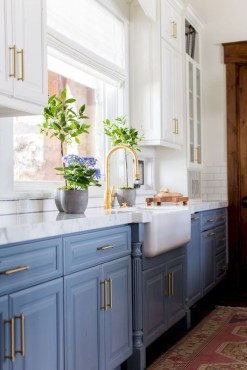 Unique Painted Kitchen Cabinets Design Ideas With Two Tone 21
