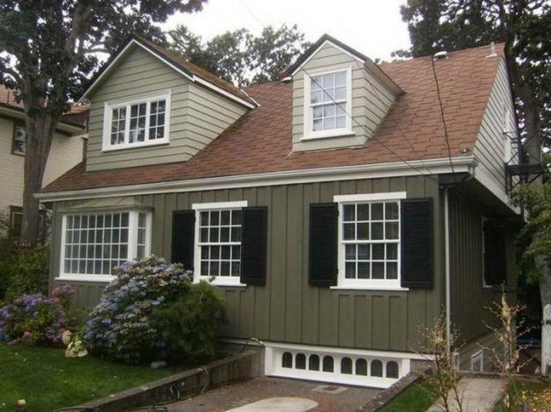 Astonishing Exterior Paint Colors Ideas For House With Brown Roof 12