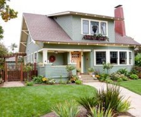 Astonishing Exterior Paint Colors Ideas For House With Brown Roof 33