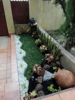 Cozy Rock Garden Landscaping Ideas For Make Your Yard Beautiful 42