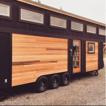 Elegant Minimalist Design Ideas For Tiny Home Decor 25