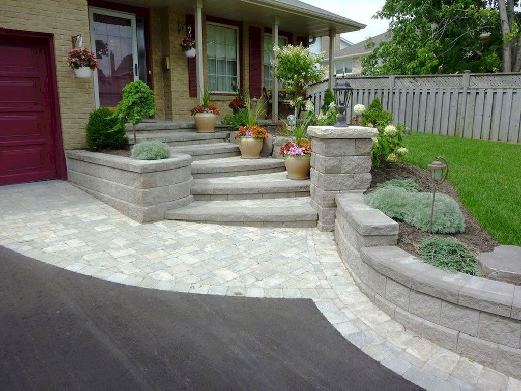 Impressive Small Front Yard Landscaping Ideas To Try 01