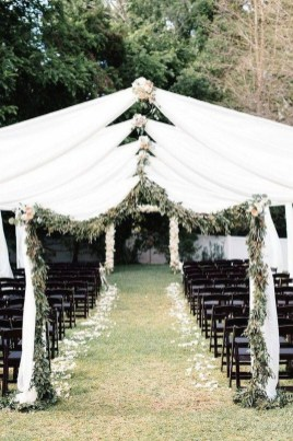 Splendid Wedding Decorations Ideas On A Budget To Try 16