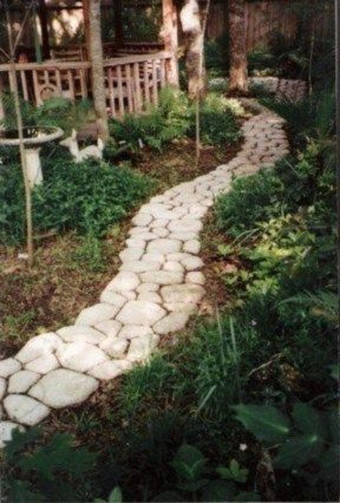 Unordinary Diy Pavement Molds Ideas For Garden Pathway To Try 44