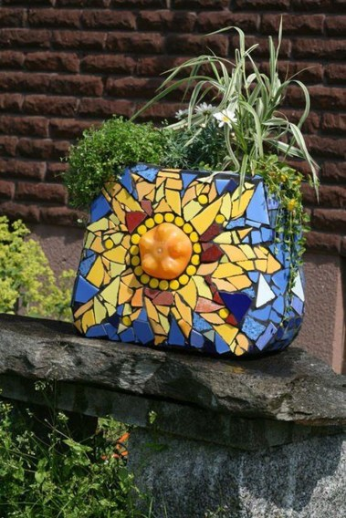 Amazing Diy Mosaic Decorations Ideas To Inspire Your Own Garden 30