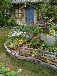 Impressive Small Garden Ideas For Tiny Outdoor Spaces 24