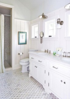 Smart Cape Cod Bathroom Design Ideas For You 06