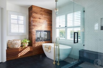 Smart Cape Cod Bathroom Design Ideas For You 30