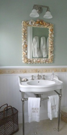 Smart Cape Cod Bathroom Design Ideas For You 35