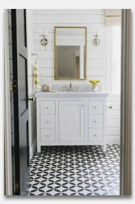 Smart Cape Cod Bathroom Design Ideas For You 39