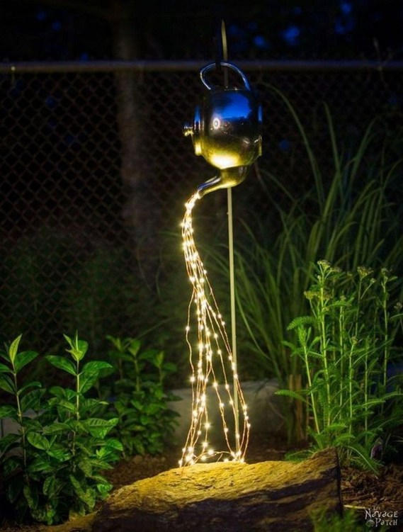 Stunning Solar Garden Decoration Ideas To Try 43