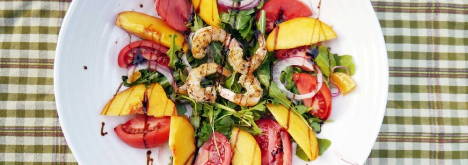Tomato and Peach Shrimp Salad