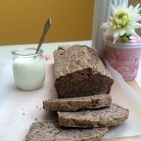 Brezglutenski kruh iz ajdove kaše in chia semen