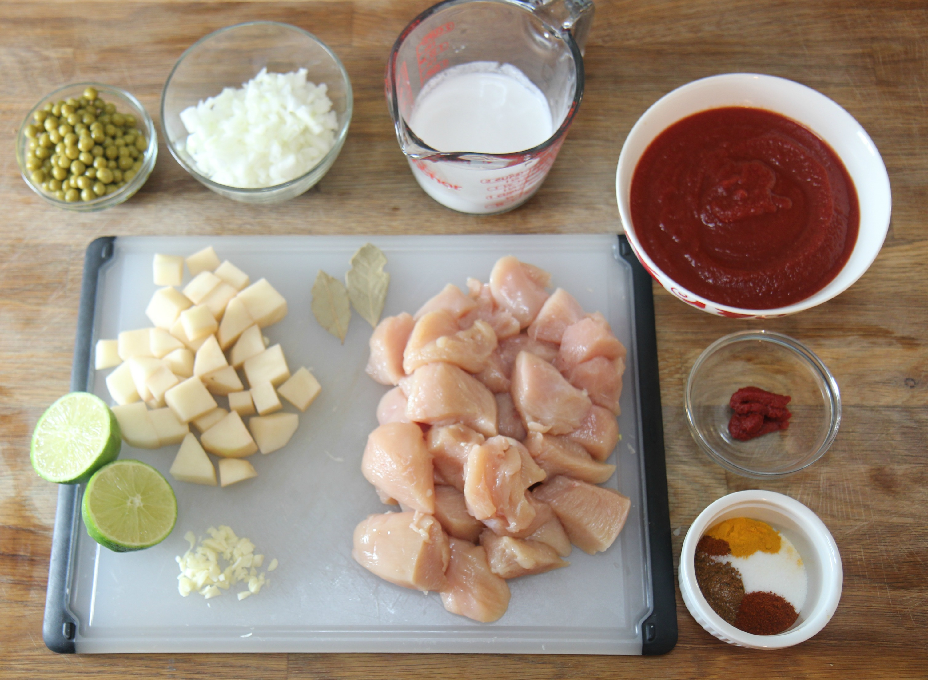 Ingredients needed for this easy coconut chicken curry recipe