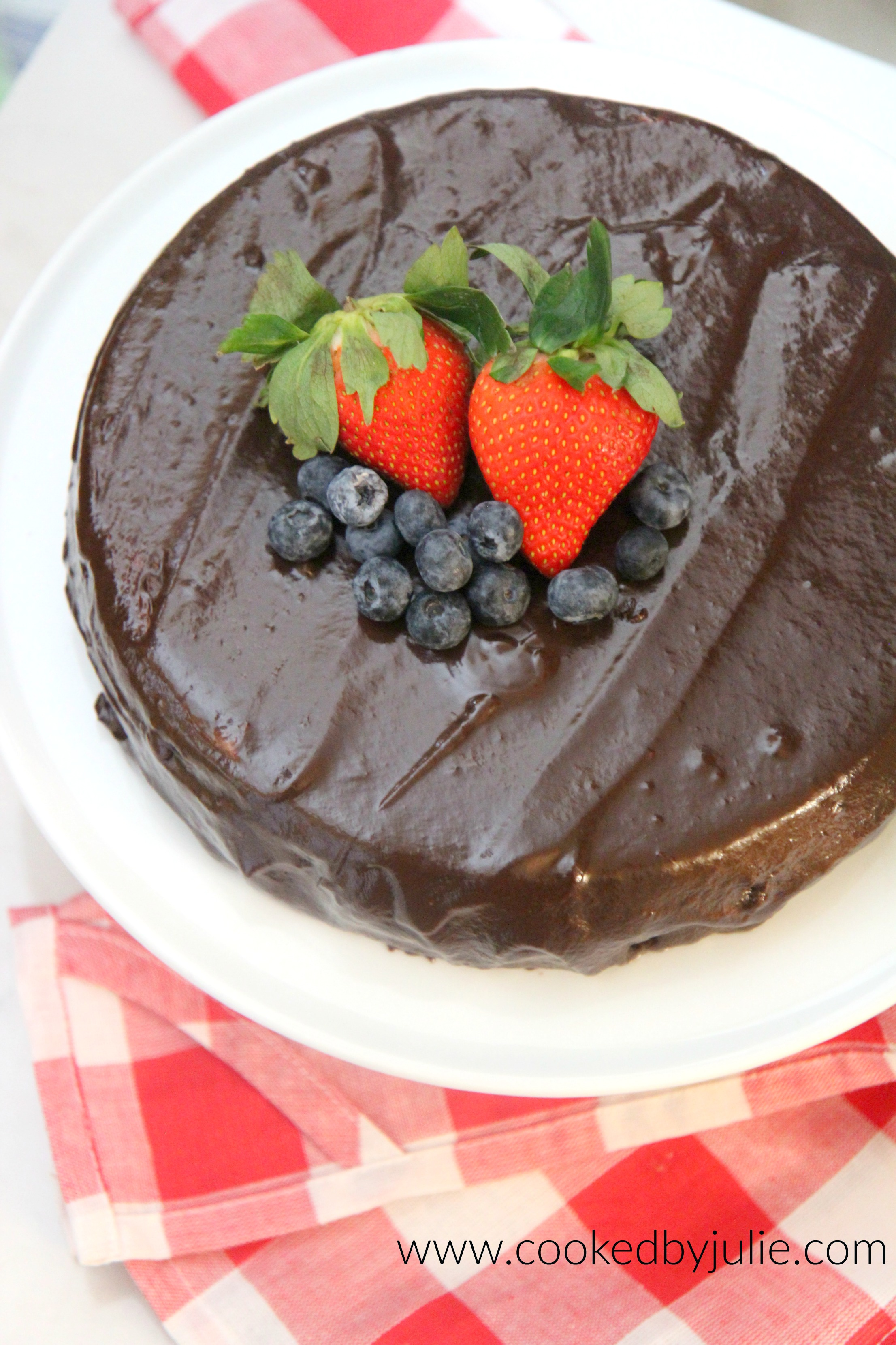 This nutella cheesecake is a chocolate lovers dream! It's the perfect date night dessert.