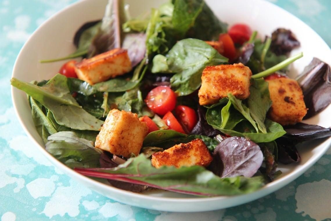 Paneer and tomato salad