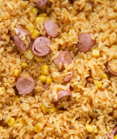 arroz con salchichas up close.