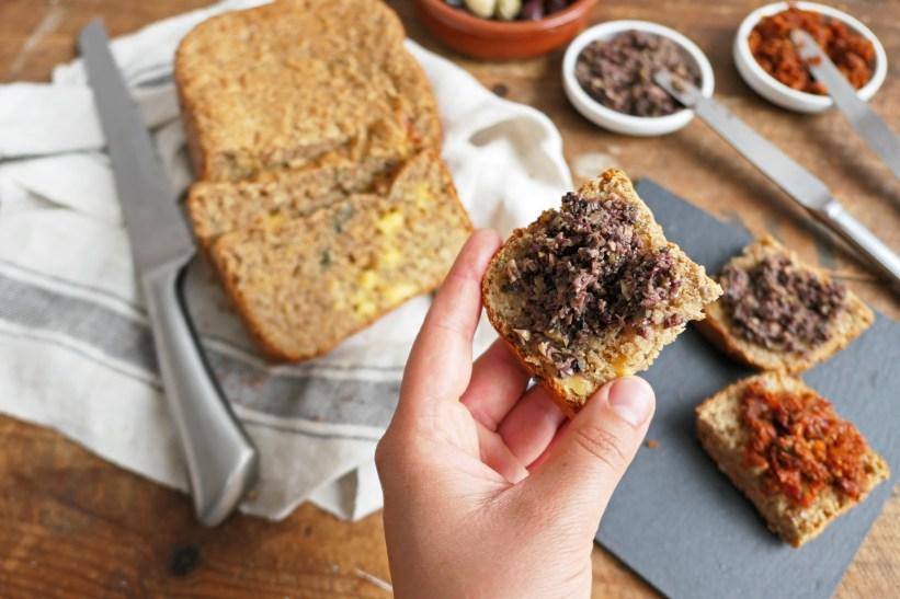 Borrelbrood met knoflook en kaas || cookedbyrenske