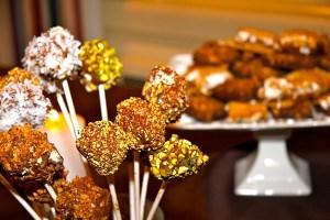Cheesecake Lollipops