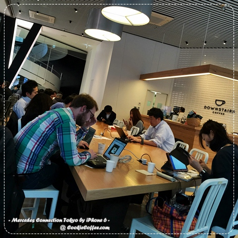mercedes-benz-connection-cafe-tokyo-roppngi-review-mobile-office-wifi-iphone-6