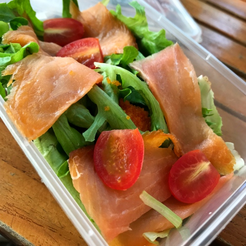 case-study-cafe-ubereats-review-free-promocode-food-delivery-smoked-salmon-salad-menu-150-baht-thai