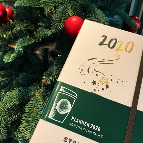 starbucks-planner-2020-diary-thailand-christmas-tree-limited-moleskine-free-rewards-sale-red