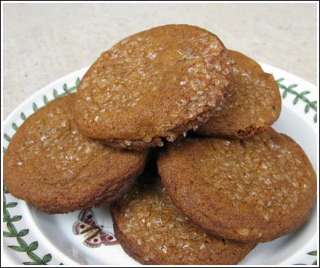 https://i1.wp.com/www.cookiemadness.net/wp-content/uploads/2008/04/ginger-cookies.jpg