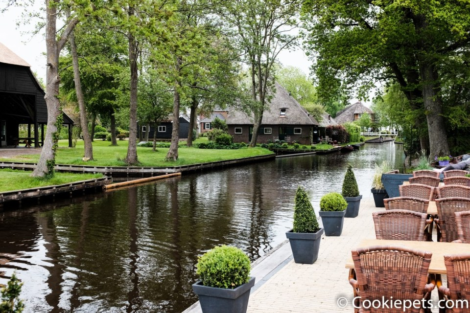 Restaurants beside the waterway