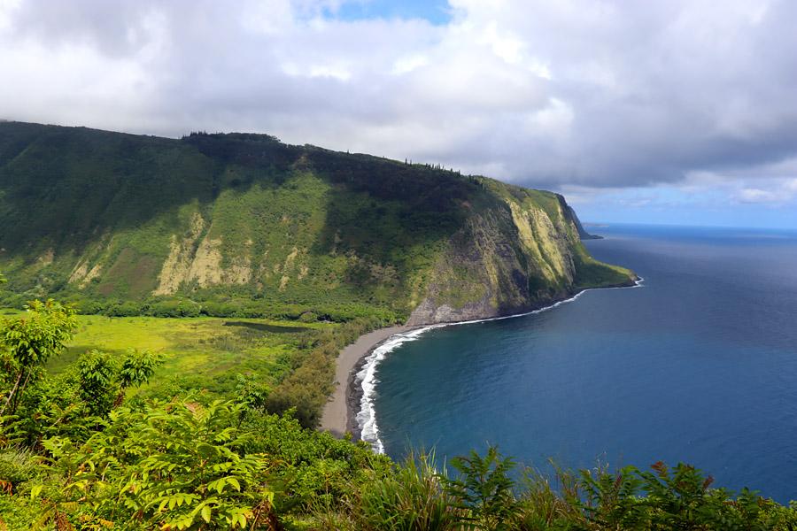 Things to do on the Big Island of Hawaii | Waipio Valley Lookout / Overlook