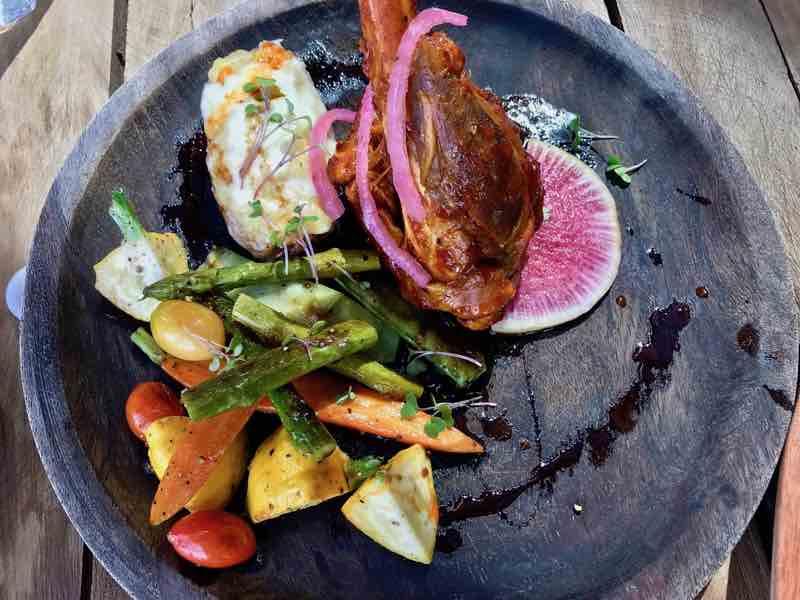 Viña de Frannes Winery 5   Cooking-Outdoors.com   Gary House