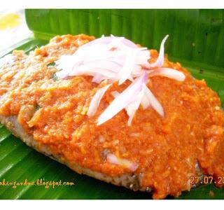 Karimeen Pollichathu / Kerala-Style Fish Wrapped in Banana Leaves