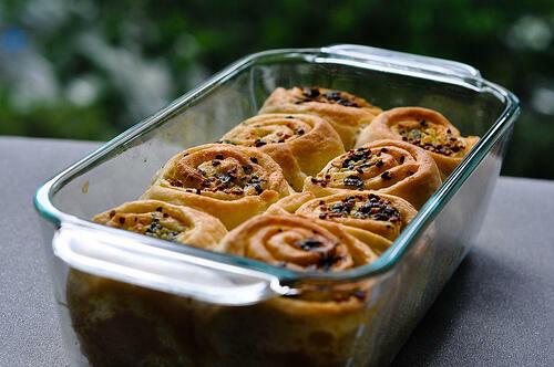 Garlic Pull-Apart Rolls Recipe, Eggless Garlic Rolls
