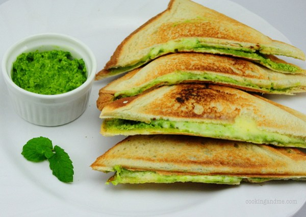Green Mint Chutney & Cheese Sandwiches - Quick & Easy Snack Recipes