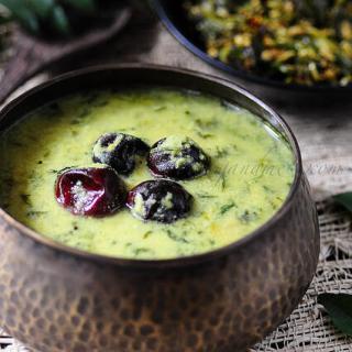 Methi Leaves Yogurt Curry | Vendhaya Keerai Mor Kuzhambu Recipe
