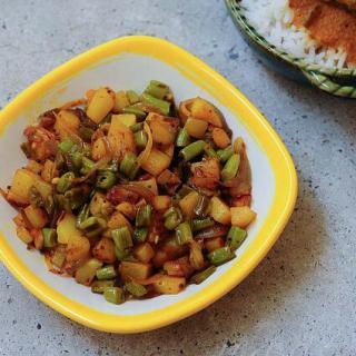 Beans Aloo Sabzi Recipe – Potato Beans Stir-Fry Recipe – Step by Step